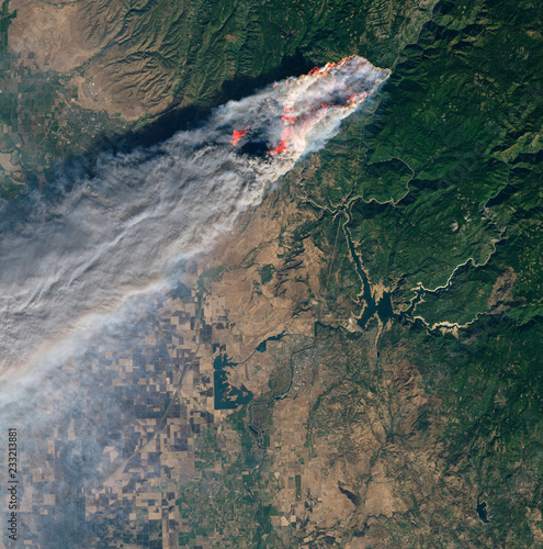 Keuken foto achterwand Nasa Satellite view of the wildfires in Paradise, California.Elements of this image furnished by NASA.