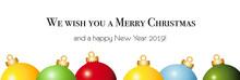 Weihnachtsbanner Mit Christbaumkugeln Mit Weihnacht Und Neujahres Wünsche In Englisch, Vektor Illustration Isoliert Auf Weißem Hintergrund