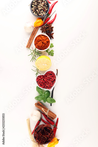 Foto op Canvas Aromatische Spices and herbs on table. Food and cuisine ingredients.