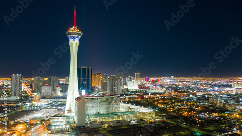 In de dag Las Vegas Aerial View Downtown City Skyline Urban Core Las Vegas Nevada