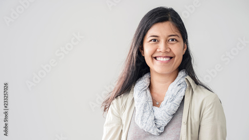 Obraz Portrait of asian young woman - fototapety do salonu