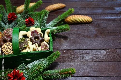 Photo  Weihnachtsdekoration mit leckeren Weihnachtsplätzchen