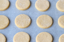 Baking Round Cookies