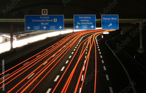 Fotografia, Obraz  Lichtgeschwindigkeit - Autobahn A57 von Düsseldorf nach Krefeld