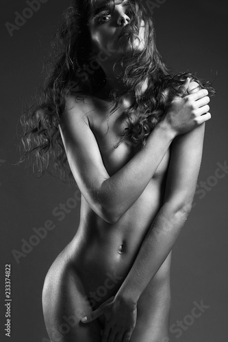 Poster Akt black and white portrait of naked girl