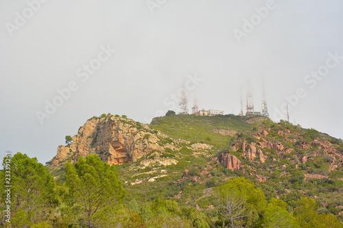 Poster Hill Niebla en la cumbre