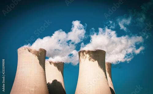 Valokuva  Umstrittene Energie - Kraftwerk in Europa