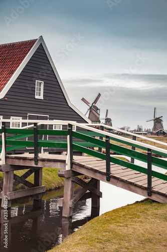 Foto op Aluminium Europese Plekken Wooden bridge and barn, Netherlands
