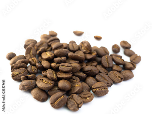 Deurstickers koffiebar Coffee Beans isolated on white background.