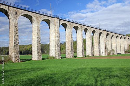 Cuadros en Lienzo eisenbahnbrücke, gümmenen, schweiz
