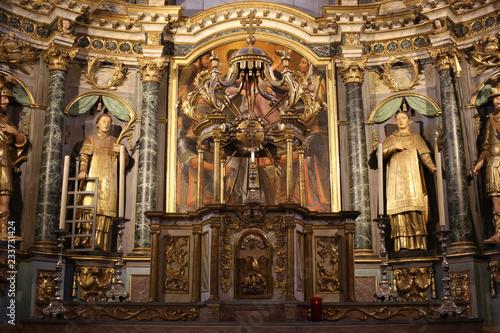 Chœur et maître-autel avec son retable (1822) Fototapeta
