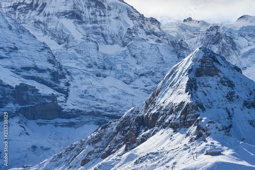 Foto  Dramatic winter mountain view