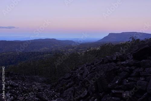 Tuinposter Purper Dawn in Cradle mountain, Tasmania, Australia