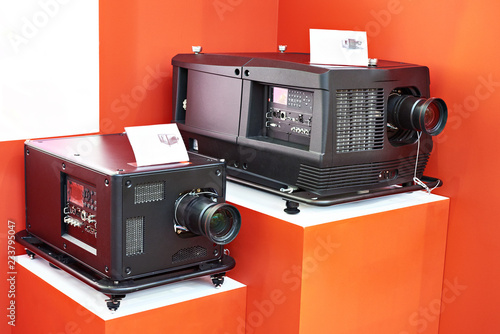 Lamp and laser projectors in store