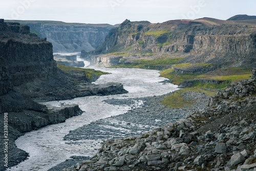 Spoed Foto op Canvas Grijze traf. River Grand canyon in iceland