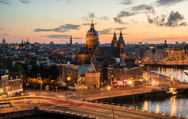 Amsterdam u zalazak sunca