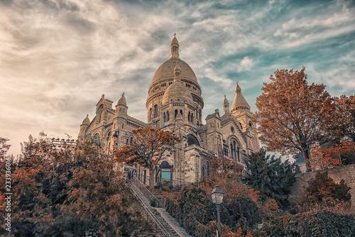 Canvas Print Sacre Coeur basilica in autumn in Montmartre, Paris