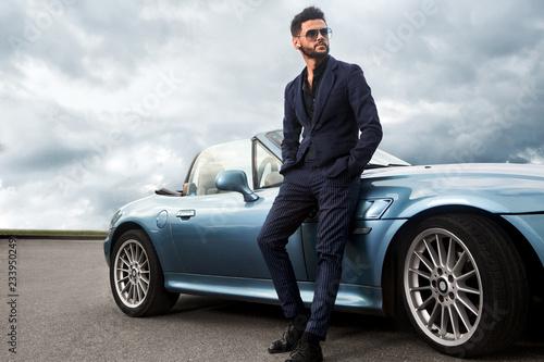 Fotografia  Successful, handsome man near the car.