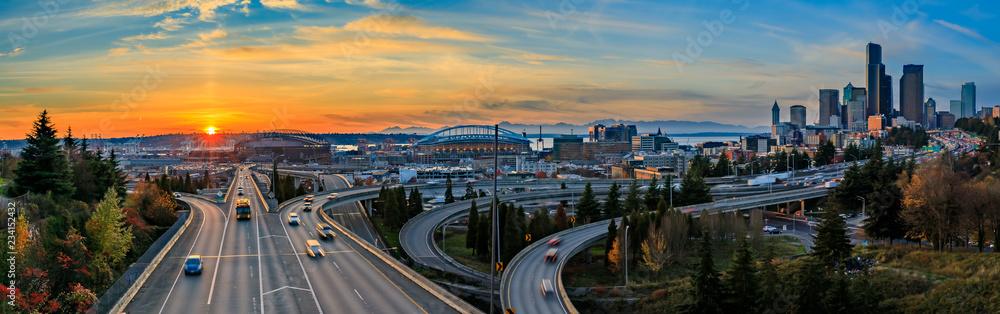 Fototapeta Seattle downtown skyline sunset from Dr. Jose Rizal or 12th Avenue South Bridge