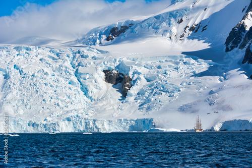 Zdjęcie XXL Wyprawa statkiem na Antarktydę