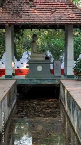 Fotobehang Historisch mon. Statue of Buddha in Lumbini, Nepal