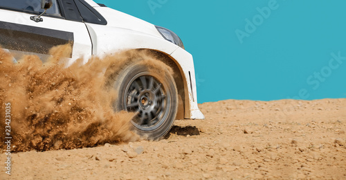 Photo Rally racing car in dirt track.