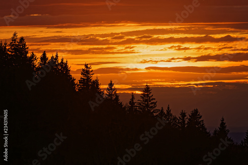 Poster Oranje eclat Coucher de soleil sur les Vosges