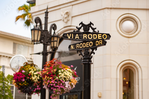 Cuadros en Lienzo  Road sign, Rodeo Drive, Beverly Hills, Los Angeles, California, United States of America, North America