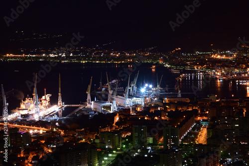 Foto op Aluminium Poort Palermo port widok z Monte Pellegrino