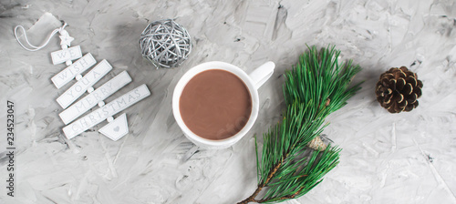 Foto op Aluminium Chocolade Hot Chocolate with Marshmallow Christmas Gift Box Decoration Natural Decor New Year Party Concept Vintage Pine Cone Fur Tree Brunch