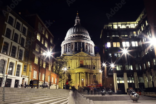 Photo st paul's cathedral london night