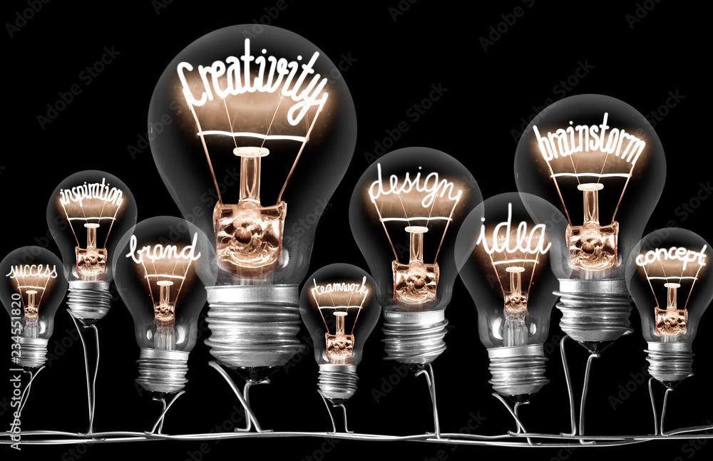 Fototapety, obrazy: Light Bulbs with CREATIVITY Concept
