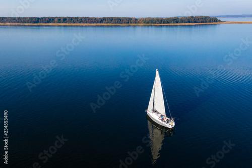 Majówka pod żaglami, Polska - Mazury, kraina jezior