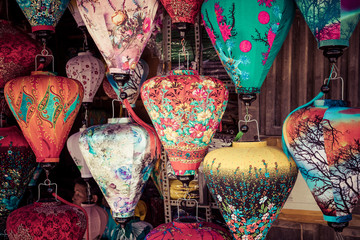 Colorful lanterns spread light on the old street of Hoi An Ancient Town - UNE...