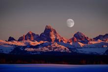 Sunset Light Alpen Glow On Tet...