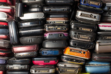 Many Old Mobile Phones Are Tec...