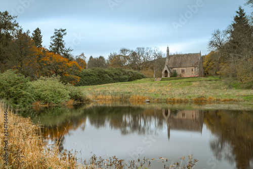 Fotografiet Maxwelton Church, Dumfriesshire, Southern Scotland in Autumn