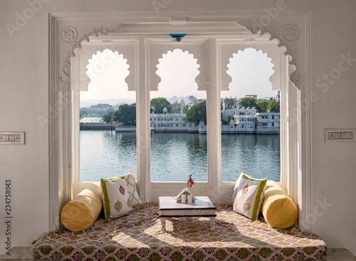 Fotografija Window. Beautiful View on Pichola Lake Udaipur