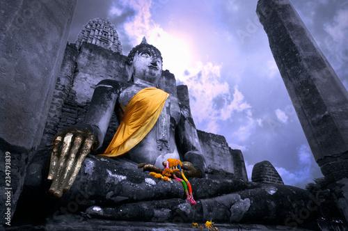 Valokuva Ancient old Buddha statue in Wat Si Chum or Sri Chum Temple, Sukhothai Historica