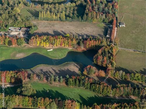 Fotografia  le golf de Nantilly à l'automne dans l'Eure-et-Loir en France