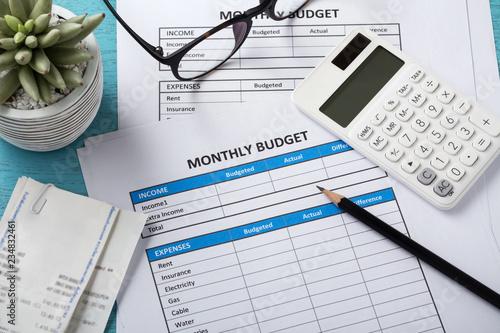 Fototapeta Monthly budget planning obraz