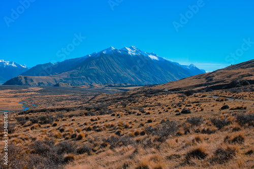Photo  Mount Sunday landscape, scenic view of Mount Sunday and surroundings in Ashburto