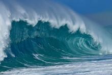 USA, Hawaii, Oahu, Pacific Ocean, Big Dramatic Wave