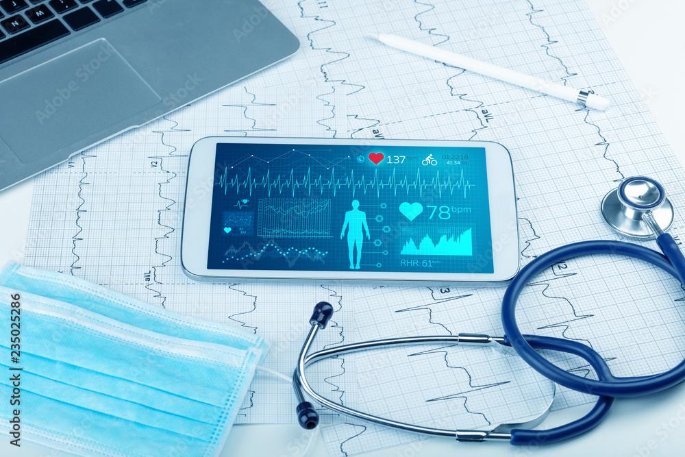 Fototapeta Live medical screening with medical application on tablet