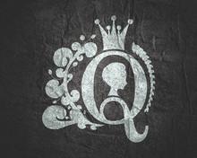 Vintage Queen Silhouette. Medi...