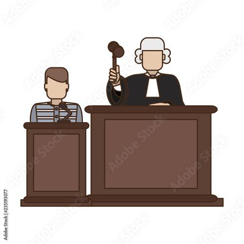 Foto Prisoner and judge in courtroom