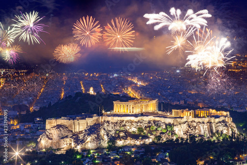 Photo fireworks over Athens, Acropolis and the Parthenon, Attica, Greece - New Year de