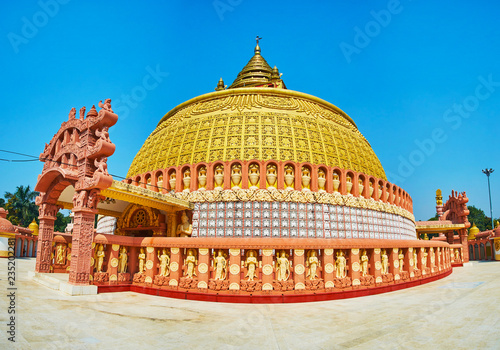 Deurstickers Asia land Visit pagoda of Sitagu International Buddhist Academy and enjoy its ornate exterior with fine plasterwork and traditional Burmese decors, Sagaing, Myanmar.