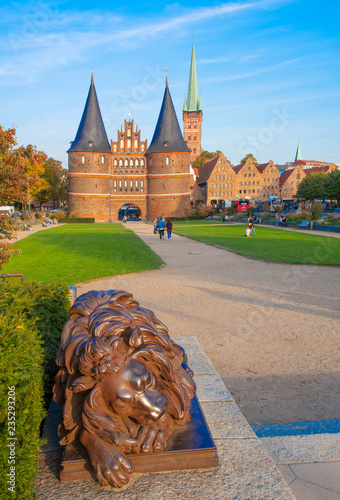 Foto auf Leinwand Zentral-Europa Holstentor Lübeck