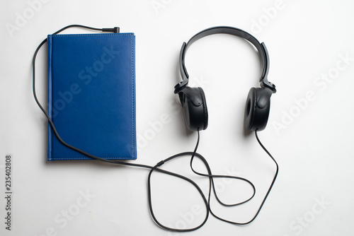 Headphones and Books Audiobook Concept, Headphones with books Tapéta, Fotótapéta